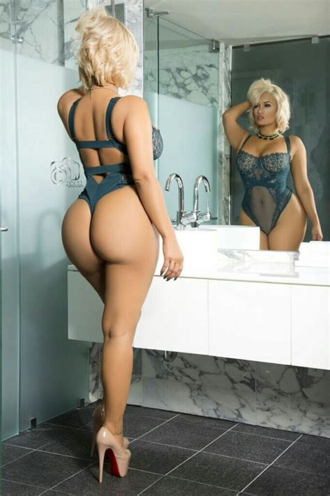Sexy Blonde Perduchio