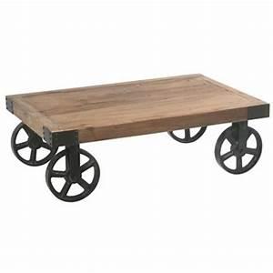 Table Sur Roulettes : table basse avec roulettes orme recycl et m tal landaise pier import ~ Teatrodelosmanantiales.com Idées de Décoration