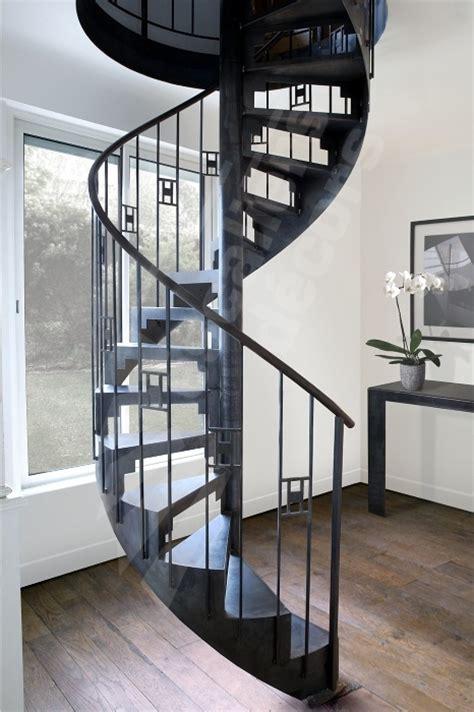 les 25 meilleures id 233 es concernant escalier en fer forg 233 sur balustrades en fer