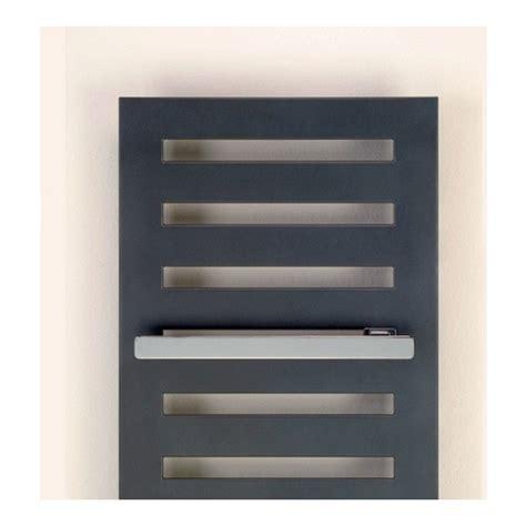 heizkörper mit handtuchhalter handtuchhalter f 252 r heizk 246 rper metropolitan spa bar in verschiedenen l 228 ngen verchromt design