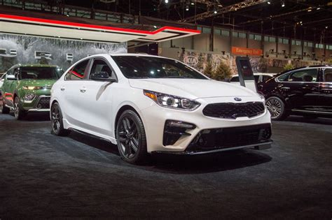 kia forte gt 2020 2020 kia forte gt line prioritizes thrift shifts in