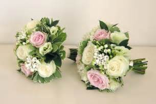 bridesmaids bouquets wedding flowers 39 s classic green white and pink wedding flowers norton park hotel