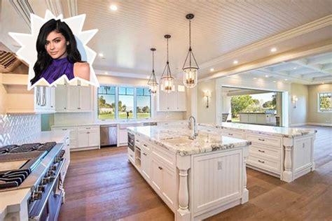 kylie jenner stunning celebrity kitchens lonny