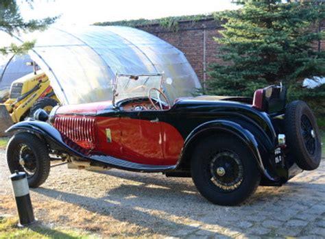 I like the type 44. automobileweb - bugatti type 44 roadster usine 2_3 places