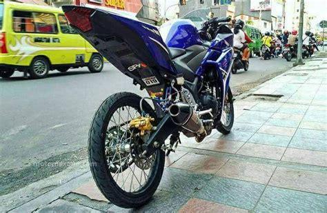 Vixion Half Fairing Pake Velg Ban Cacing by Modifikasi Thai Look Ban Cacing Untuk Yamaha R25 Bikin