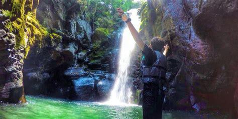 olahraga sambil berwisata  curug naga reservasi travel