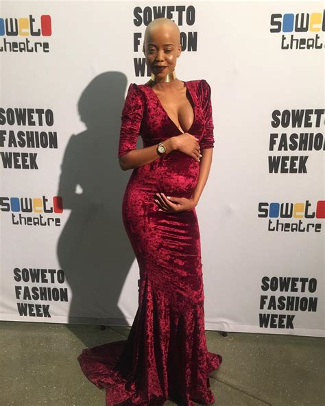 Top 5 Pics Of The 21 Year Old Ntando Dumas Pregnancy Style