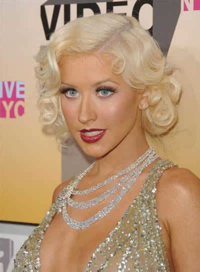 oh xtina vintage glam Retro hairstyles Hair styles