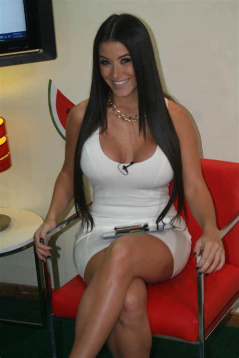 foto de Conoce a la modelo venezolanaRuby Demestoy no apto