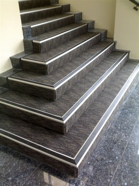 Vinyl Stair Nosing for Concrete : Anti Slip Vinyl Stair