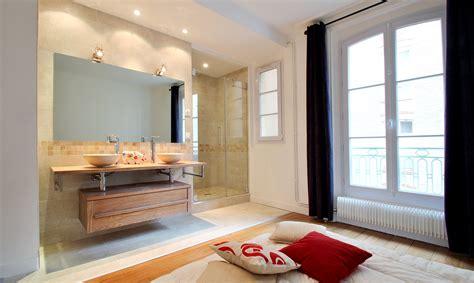 chambre salle de bain ouverte aménagement salle de bain ouverte vasque bois creusé et