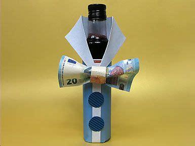 gutschein an flasche befestigen geldgeschenk flasche mit geldfliege diy tutorial geldgeschenke money gifts