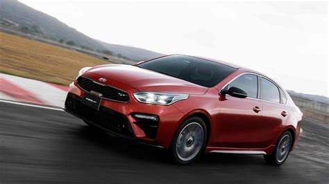 kia forte gt sedan  llega  mexico la version