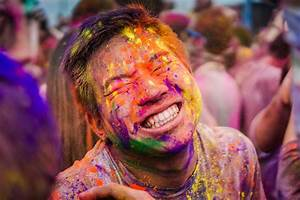 2018 FOG Holi Color Festival: Massive Color Fight ...