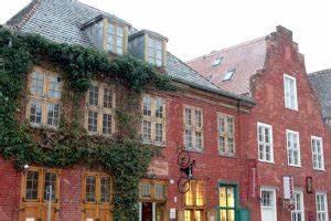 Potsdam Russisches Viertel : potsdam bekend om zijn prachtige paleizen en tuinen ~ Markanthonyermac.com Haus und Dekorationen