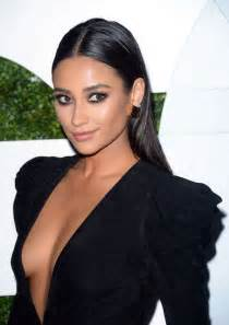 makeup school in shay mitchell height weight statistics boyfriend