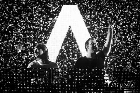 Did Axwell & Ingrosso Call Underground Music Amateur?