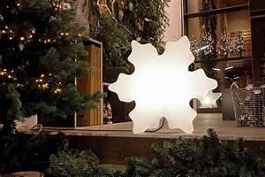 Weihnachtsbeleuchtung Für Draußen : leuchtender eiskristall weihnachtsbeleuchtung f r drinnen und drau en ~ Frokenaadalensverden.com Haus und Dekorationen
