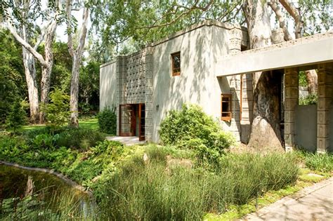 Frank Lloyd Wrights Millard House For Sale by Top 10 Most Amazing Houses With Garden Presented On