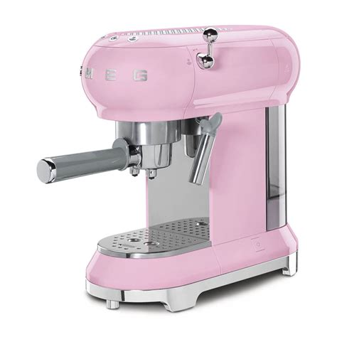 When making your coffee, the machine offers a choice in aroma intensity offering a standard or an intense brew. Smeg ECF01PKUK Espresso Machine in Pink | Best Price ...