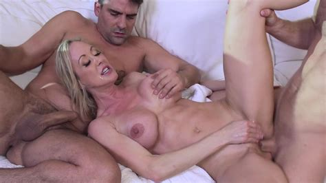 Hot Milf Brandi Love Double Teamed By A Pair Of Horny Guys