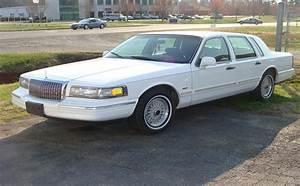 Moparbarn 1996 Lincoln Town Car Specs  Photos  Modification Info At Cardomain