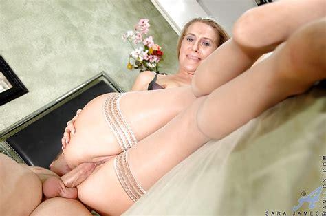 Slutty Milf Sara James Fucking Meaty Dick With Her Legs