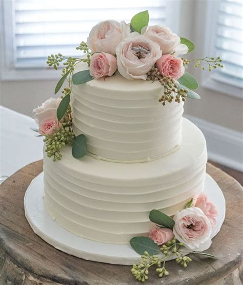 Cakes Decorated With Fresh Flowers by Best 25 Wedding Cake Fresh Flowers Ideas On