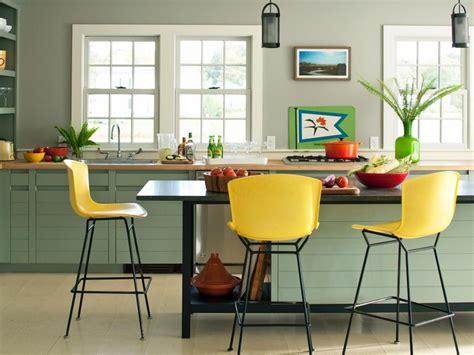 Minimalistische Einrichtung Des Kinderzimmersminimalist Modern Style White Yellow Bedroom Ideas by Gr 252 Ne Wandfarbe F 252 R Die K 252 Che 42 Ideen