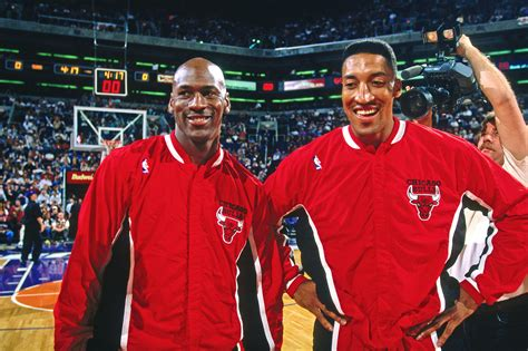 scottie pippen started    equipment manager  college