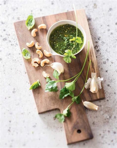 les herbes aromatiques en cuisine les herbes aromatiques bio en cuisine à chatte