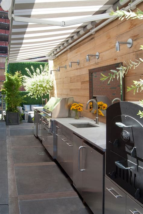 modern outdoor kitchen patio  stainless steel grill