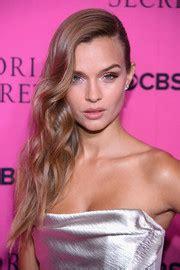 Josephine Skriver Hair - StyleBistro