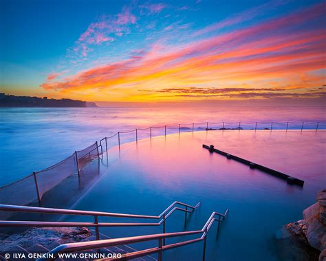 beautiful sunrise  bronte baths  bronte beach