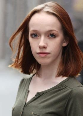 Amybeth McNulty Bra Size, Age, Weight, Height ...