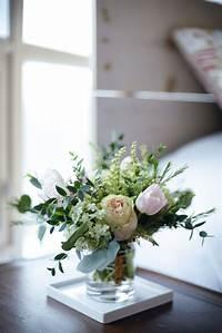 small flower arrangements How to make Small Flower Arrangements - Threads & Blooms