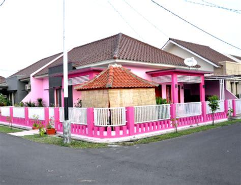 desain rumah minimalis cat rumah warna pink cantik