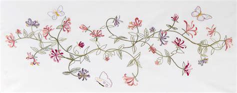 calendrier photo bureau diagramme dmc chèvrefeuille et papillons en broderie