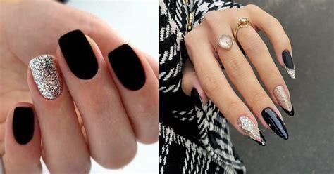 La mayoría de los modelos que emplean piedras para las. Diseños de uñas en negro (2021)   ActitudFem