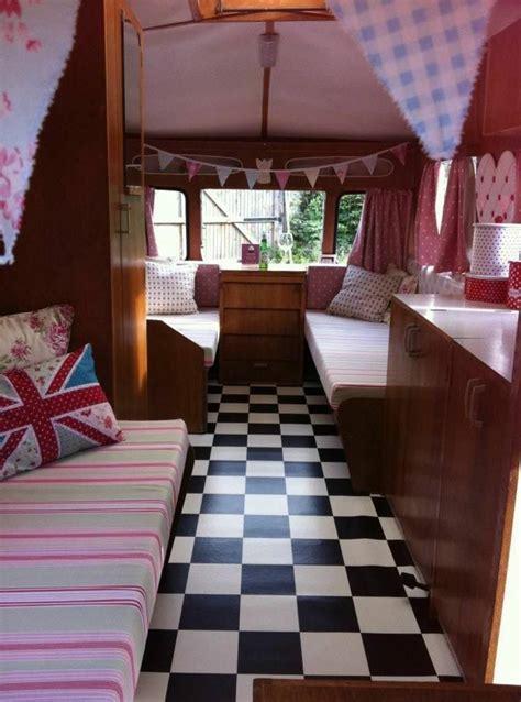 Deco Caravane Interieur Caravane D 233 Co Pour Un Style Vintage Et Printanier