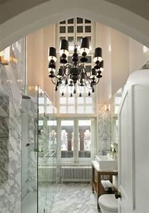 Kronleuchter Für Badezimmer : schwarzer kronleuchter 33 unglaubliche fotos ~ Markanthonyermac.com Haus und Dekorationen
