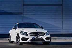 Mercedes Coupe C : 2017 mercedes amg c 43 4matic coupe is a c 450 amg sport ~ Melissatoandfro.com Idées de Décoration