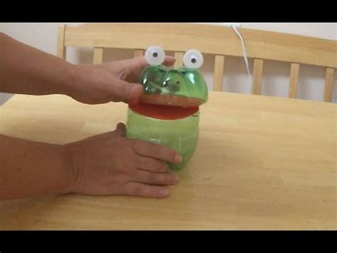 recycled project ideas  kids funny frog  plastic