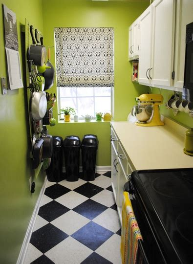 and green kitchen best 25 apple green kitchen ideas on green 6258