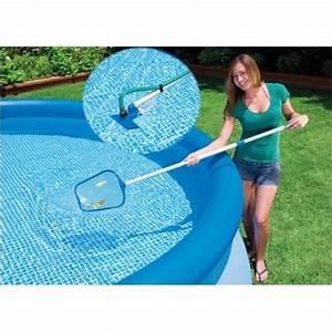 Kit Entretien Piscine Gonflable : kit entretien piscine epuisette aspirateur intex achat vente entretien mat riel de piscine ~ Voncanada.com Idées de Décoration