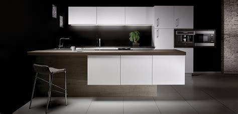 cuisine noir et gris cuisine blanche plan de travail gris cuisine grise
