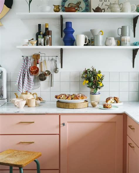 Pink Kitchen Inspiration by Best 25 Coral Kitchen Ideas On Coral Walls