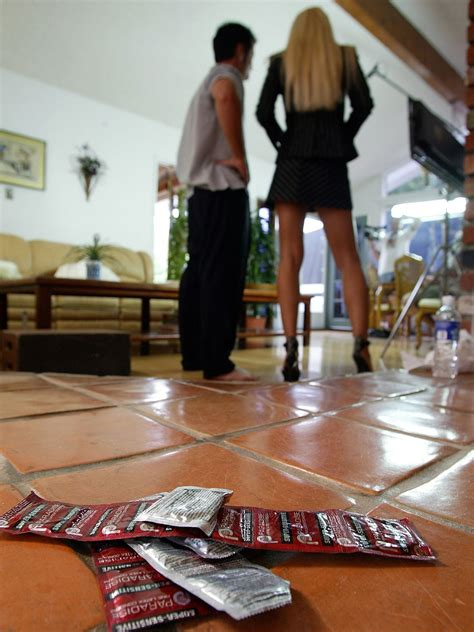 California Porn Actors Free Not To Use Condoms In Sex