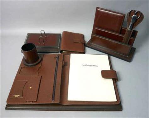 parure de bureau cuir ventes aux ench 232 res lancel parure de bureau en cuir