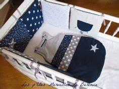 Tour De Lit Bleu Marine : tour de lit on pinterest baby sleeping bags tuto couture and patron couture ~ Teatrodelosmanantiales.com Idées de Décoration